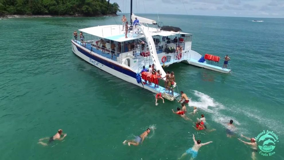 3 best catamarans in Manuel Antonio